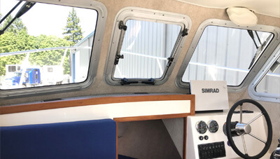 24-Fisherman-Features-Pilothouse-Inside-1559132453184.jpg