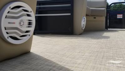 Crestliner-Chase-200-Pontoon-Stereo-Speaker-1563633865401.jpg