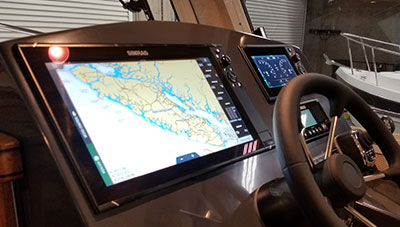 SeaSport-Features-2800-Commander-SIMRAD-NSS16-main-1585143079261.jpg