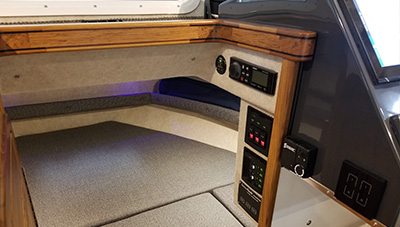 SeaSport-Features-2800-Commander-San-Juan-Interior-2-1583337609861.jpg
