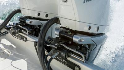 Mercury-Outboard-V8-Verado-Feature-Advanced-Mid-Section-3-1615985287312.jpg